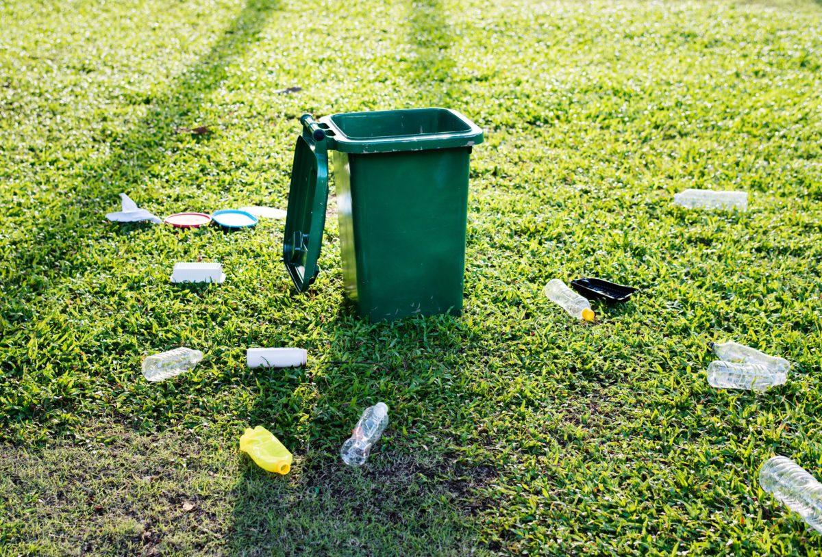 Staff look to ban plastic water bottles at municipal facilities